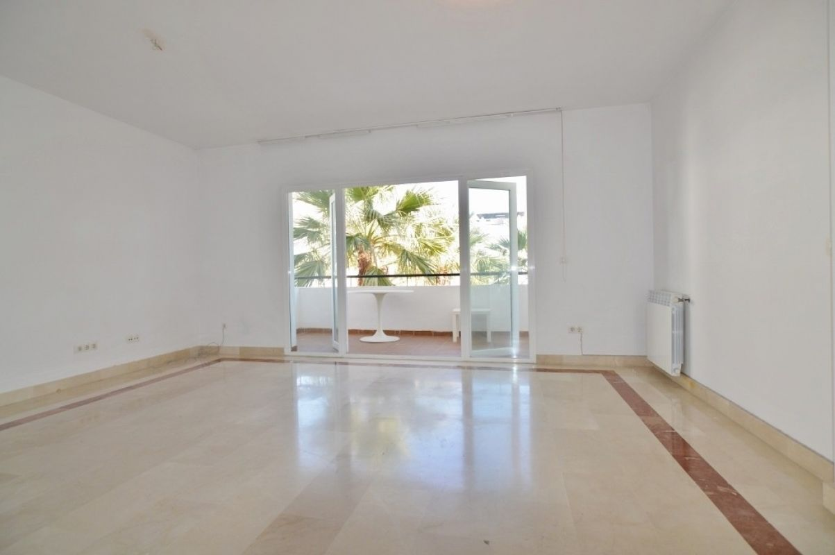 Apartment in Nueva Andalucía MA2111073 2