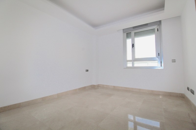 Apartment in San Pedro de Alcántara MA2773850 5 Thumbnail