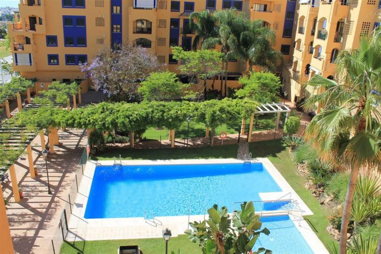 Apartment in San Pedro de Alcántara MA3805837 1