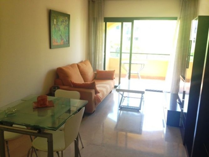 Apartment in San Pedro de Alcántara MA3805837 3