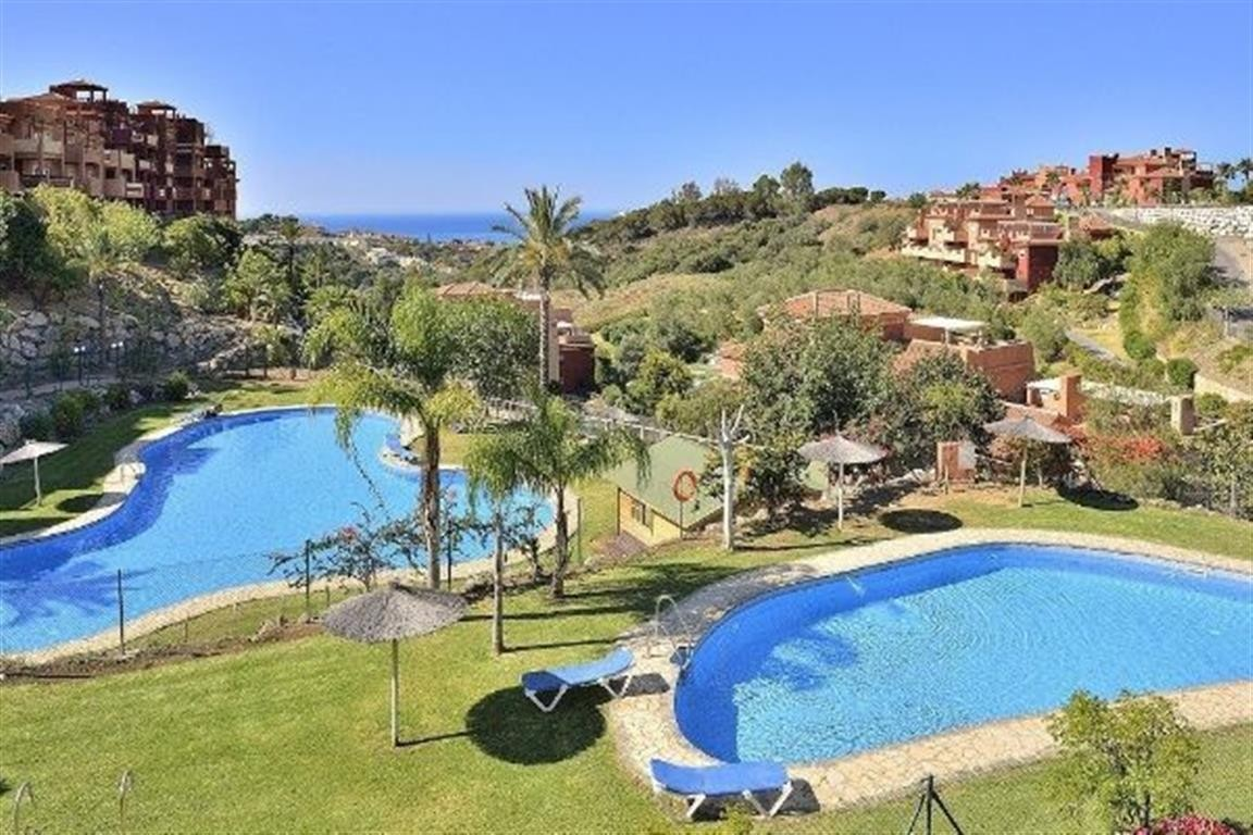 Middle Floor Apartment in Marbella MA3867476
