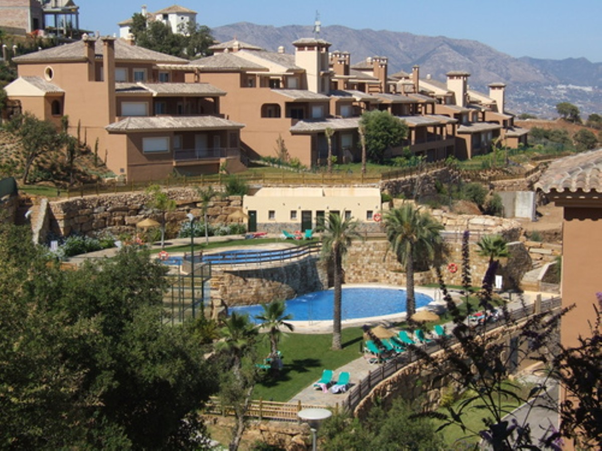 Middle Floor Apartment in La Mairena MA3958231
