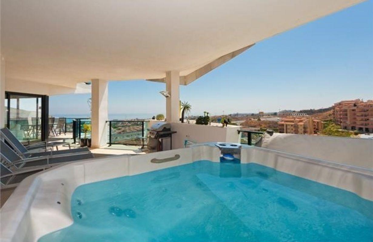 Apartment in Riviera del Sol MA4045263 1