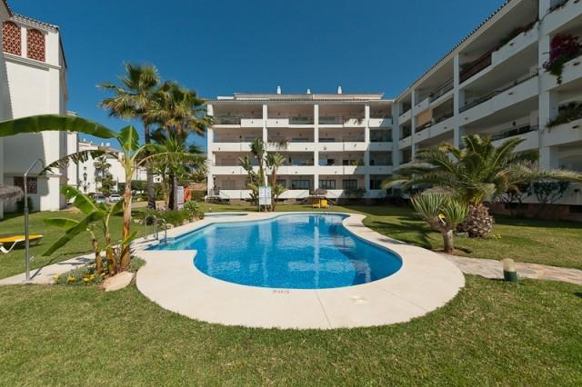 Middle Floor Apartment in Calahonda MA4418179