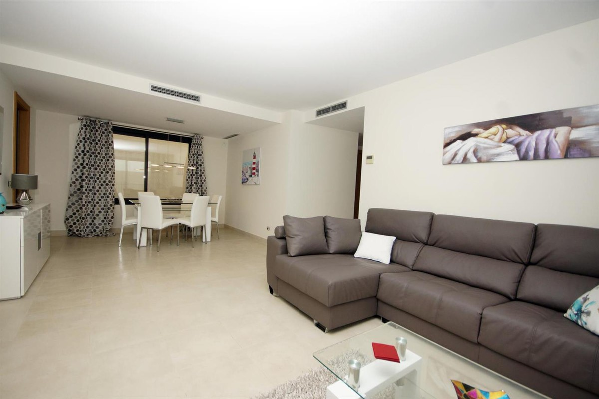 Apartment in Altos de los Monteros MA5766051 3