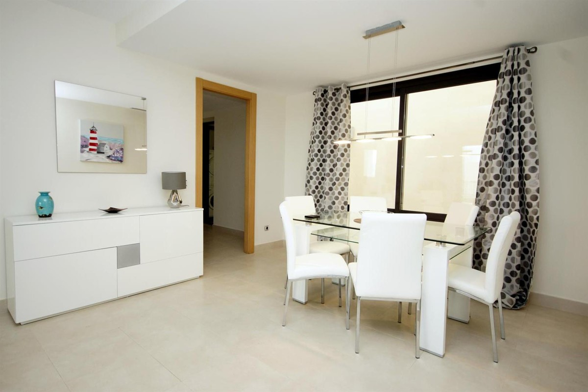 Apartment in Altos de los Monteros MA5766051 5