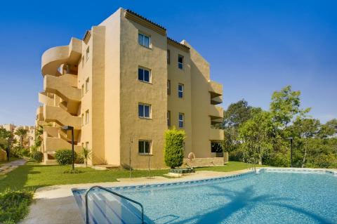 Apartment in Elviria MA7704842 1
