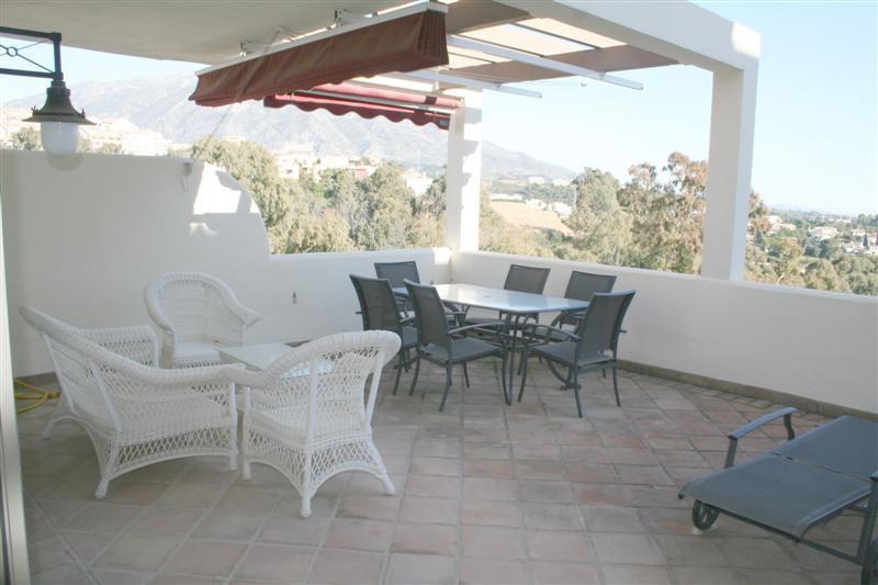 Mellemetagelejlighed i Nueva Andalucía MA7855680
