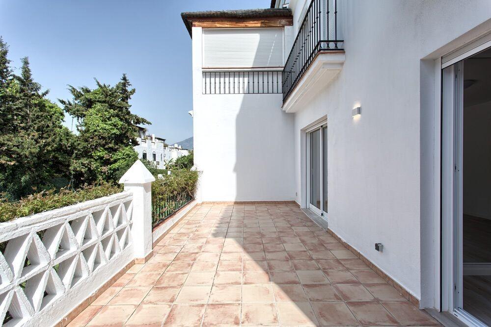 Apartment in Guadalmina Baja MA8093938 6