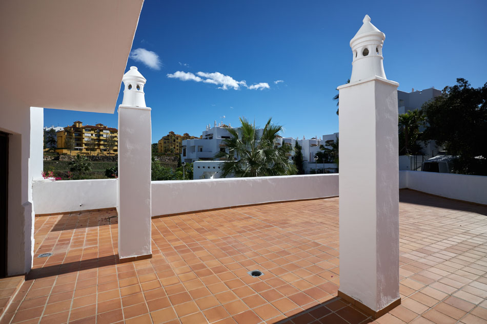 Middle Floor Apartment in Estepona MA8854189