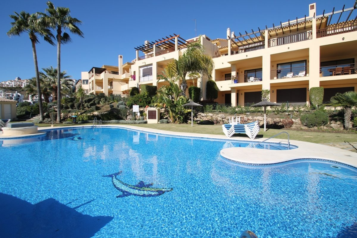 Middle Floor Apartment in Los Arqueros MA9322262
