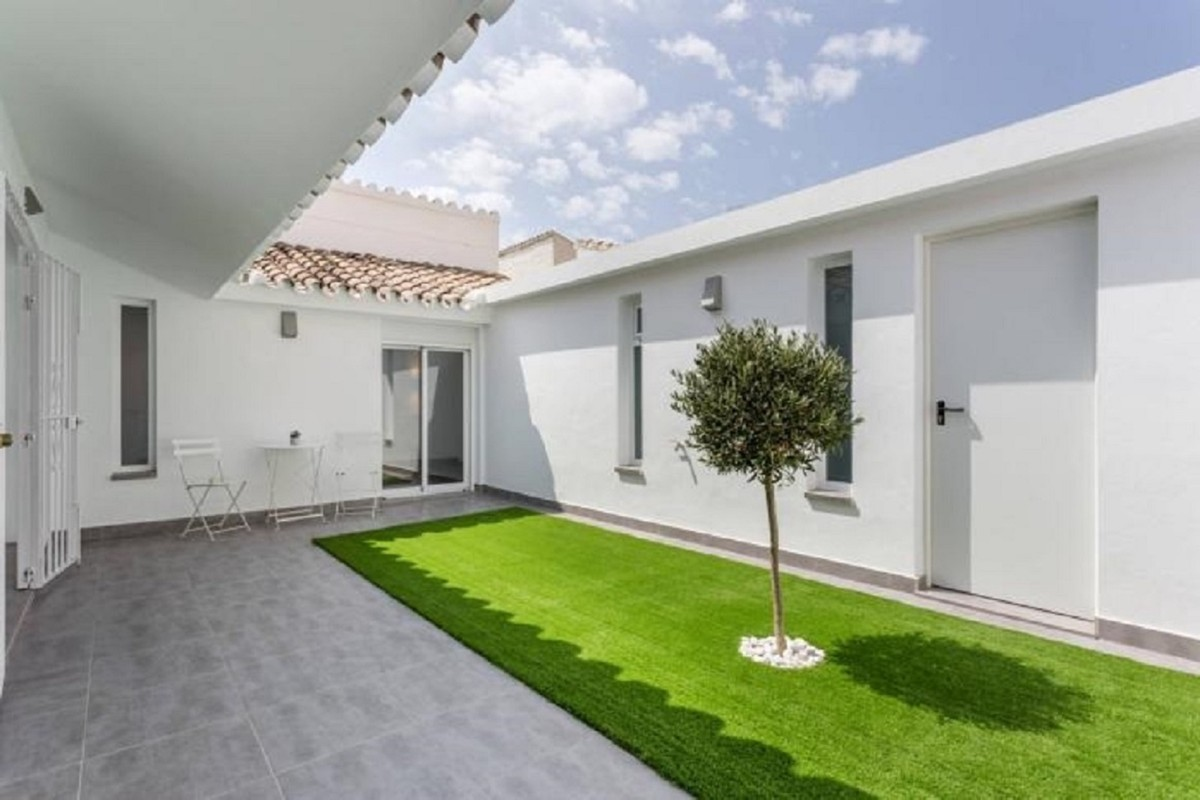 Townhouse for sale in Estepona MCO3687722