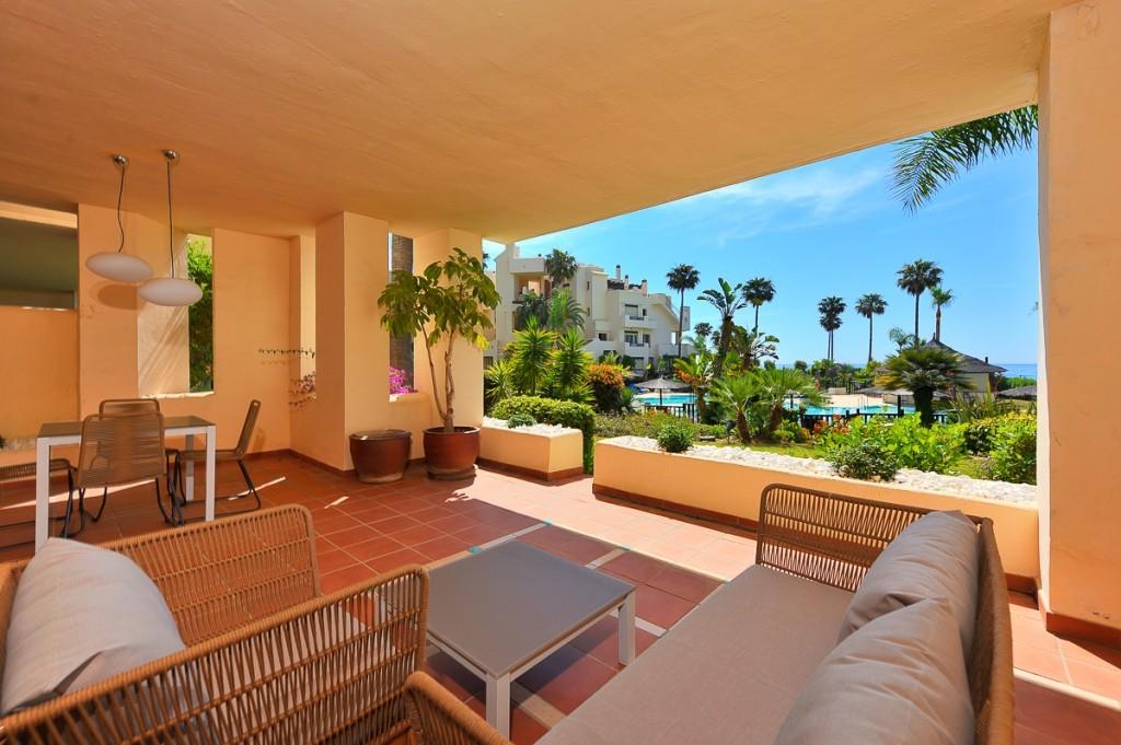 Ground Floor Apartment for sale in Estepona MCO3197626