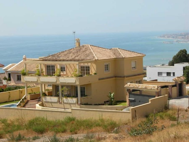 Detached Villa in Benalmadena MV2379862