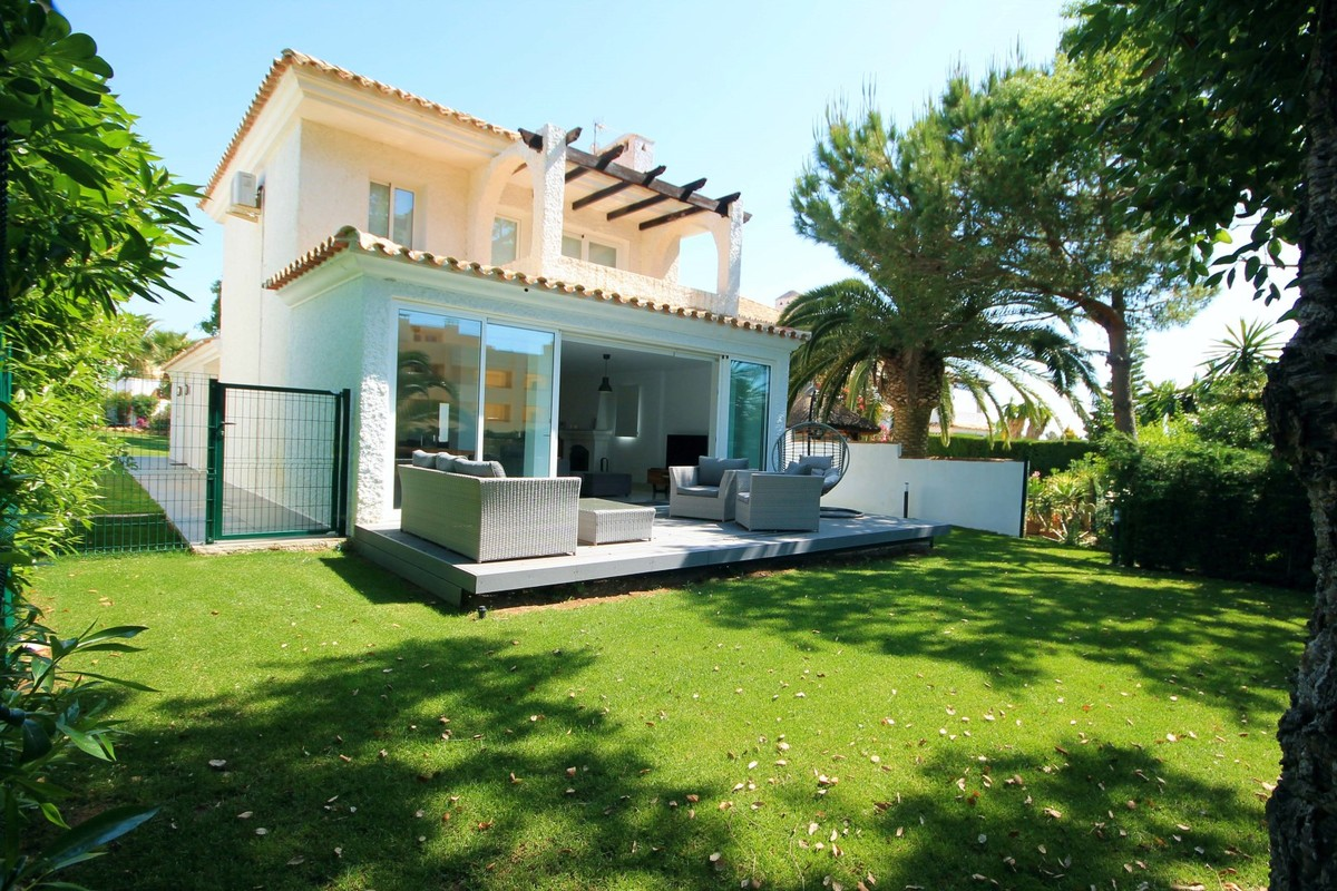 Detached Villa in Calahonda MV5658607