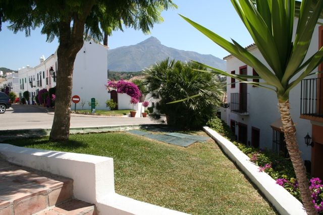 House in Nueva Andalucía MV9710173 22