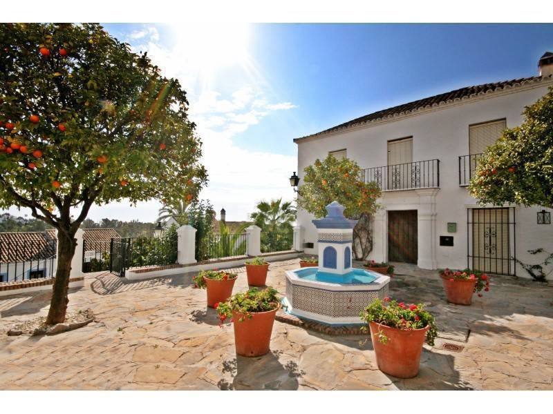 House in Nueva Andalucía MV9710173 24