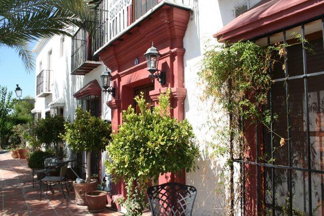 House in Nueva Andalucía MV9710173 3